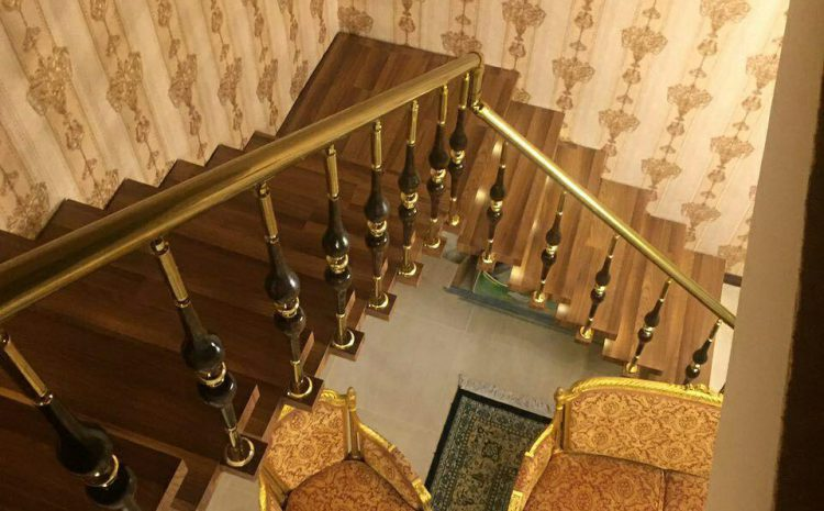 پله مفصلی